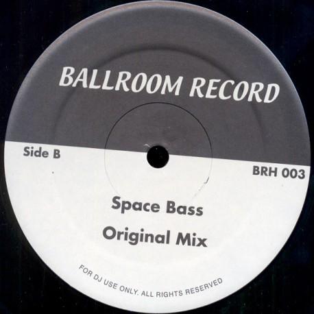 Slick / El Coco - Space bass (Original 12inch mix) / Cocomotion (Re-Edit) String laden instrumental re-edit